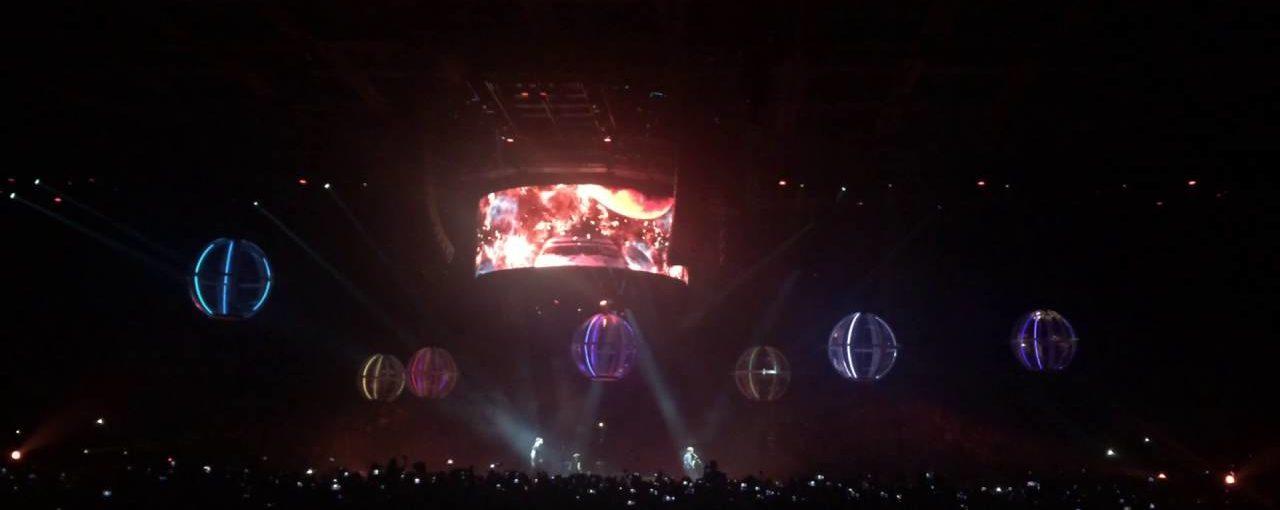 Muse  подорожує світом за допомогою дронів