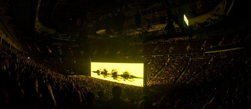 Cценографія туру iNNOCENCE+eXPERIENCE гурту U2