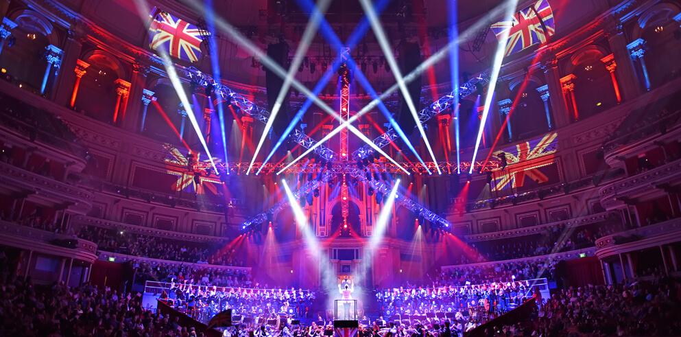 """""""Візуальне свято"""" від Clay Paky для концерту Classical Spectacular в лондонському Королівському Альберт-холі"""