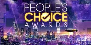 "Clay Paky Scenius Spotlights поспішає разом з Джейсоном Деруло на ""42nd People's Choice Awards"""