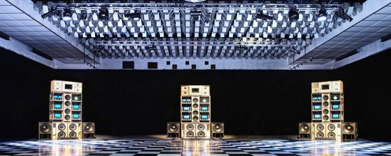 Світові рекорди з найбільших звукових систем.